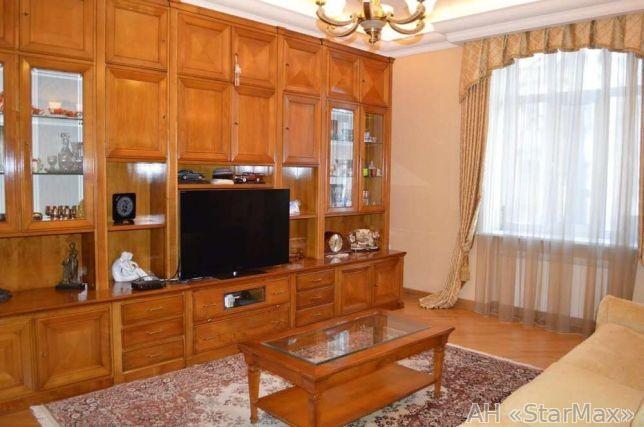 Продам квартиру Киев, Банковая ул. 4