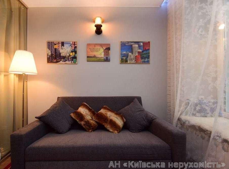 Продам квартиру Киев, Киквидзе ул. 2