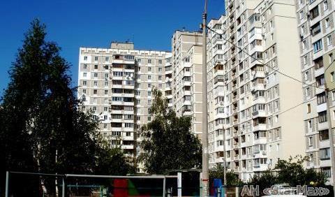 Продам квартиру Киев, Срибнокильская ул. 4