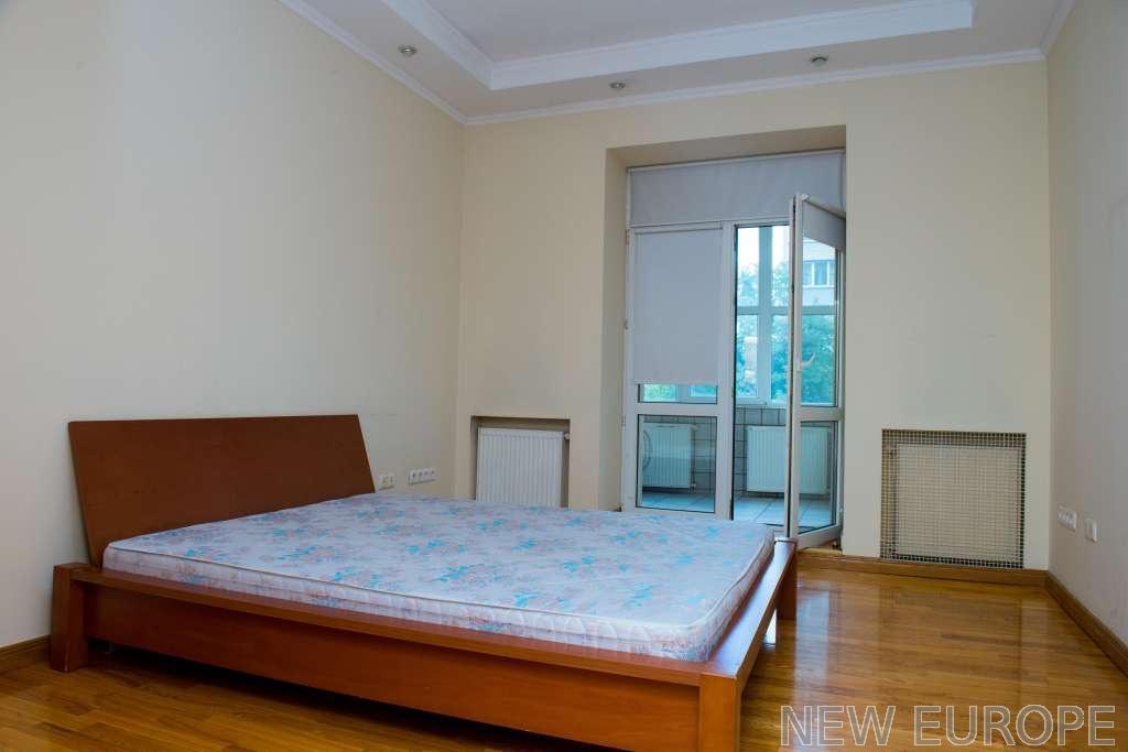 Продам квартиру Киев, Ковпака ул. 5