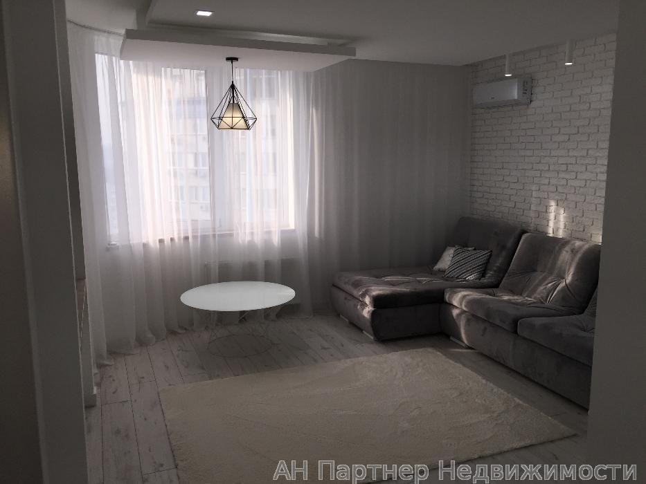 Фото 2 - Продам квартиру Киев, Завальная ул.