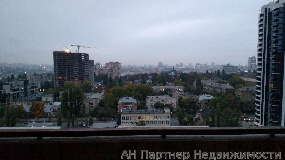 Сдам квартиру Киев, Евгения Коновальца ул. 5