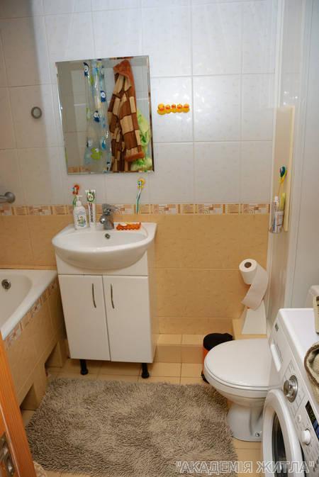 Продам квартиру Киев, Северная ул. 4