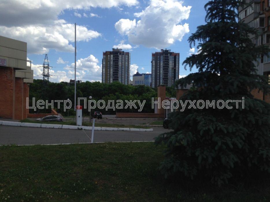 Продам квартиру Харьков, Минская ул. 2