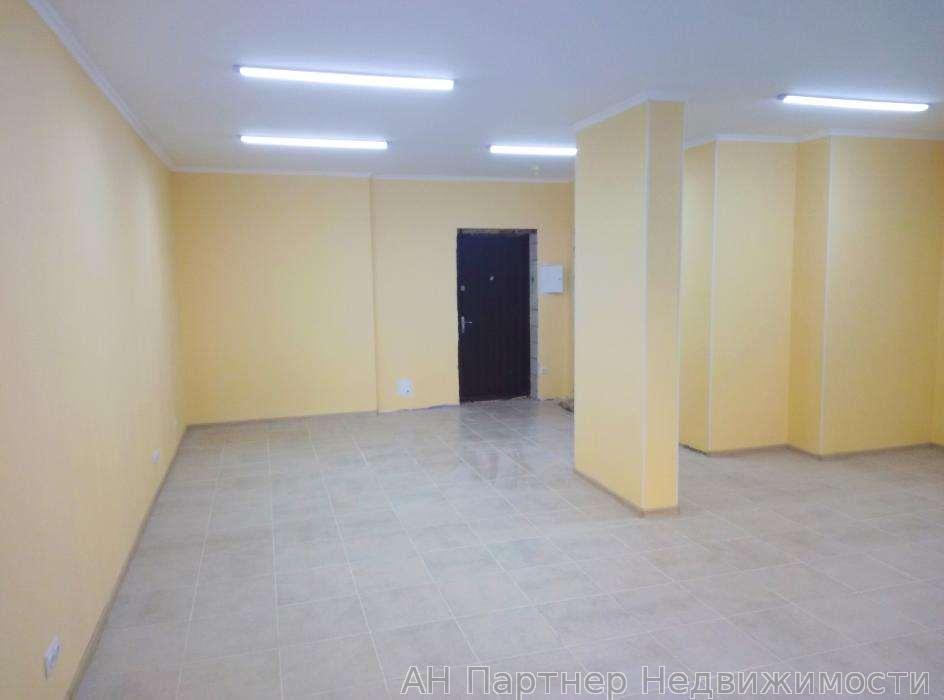 Продам торговое помещение Киев, Елены Пчилки ул. 4