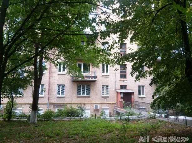 Фото - Продам квартиру Киев, Никольско-Ботаническая ул.