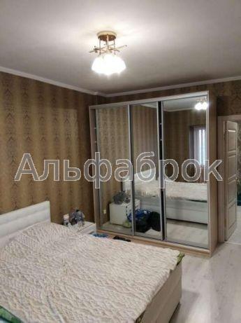 Продам квартиру Киев, Патриарха Мстислава Скрипника ул.