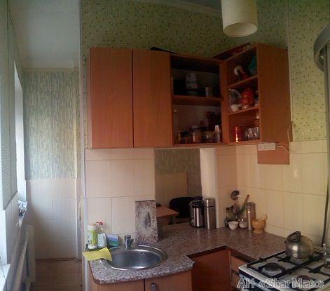 Продам квартиру Киев, Братская ул. 2