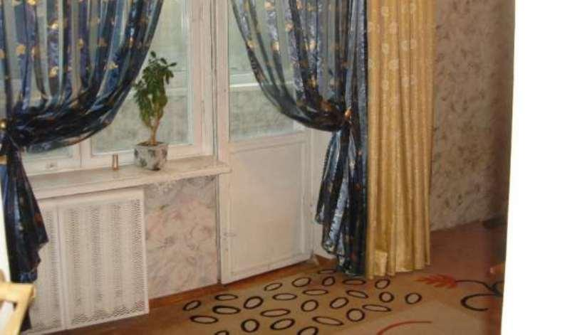 Продам квартиру Киев, Светлая ул. 2