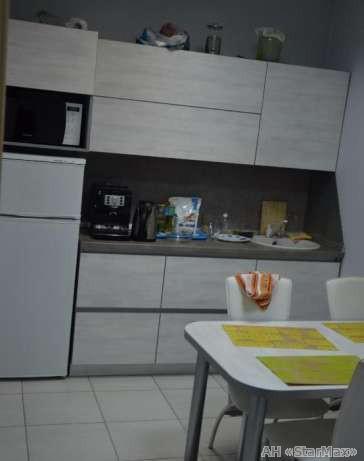 Продам офис в многоквартирном доме Киев, Здолбуновская ул. 5