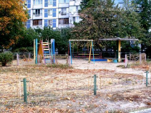Продам квартиру Киев, Иорданская ул. 3