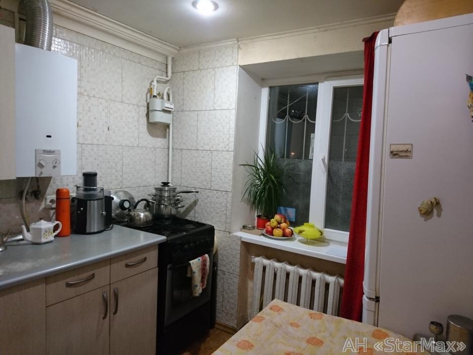 Продам квартиру Киев, Введенская ул. 5
