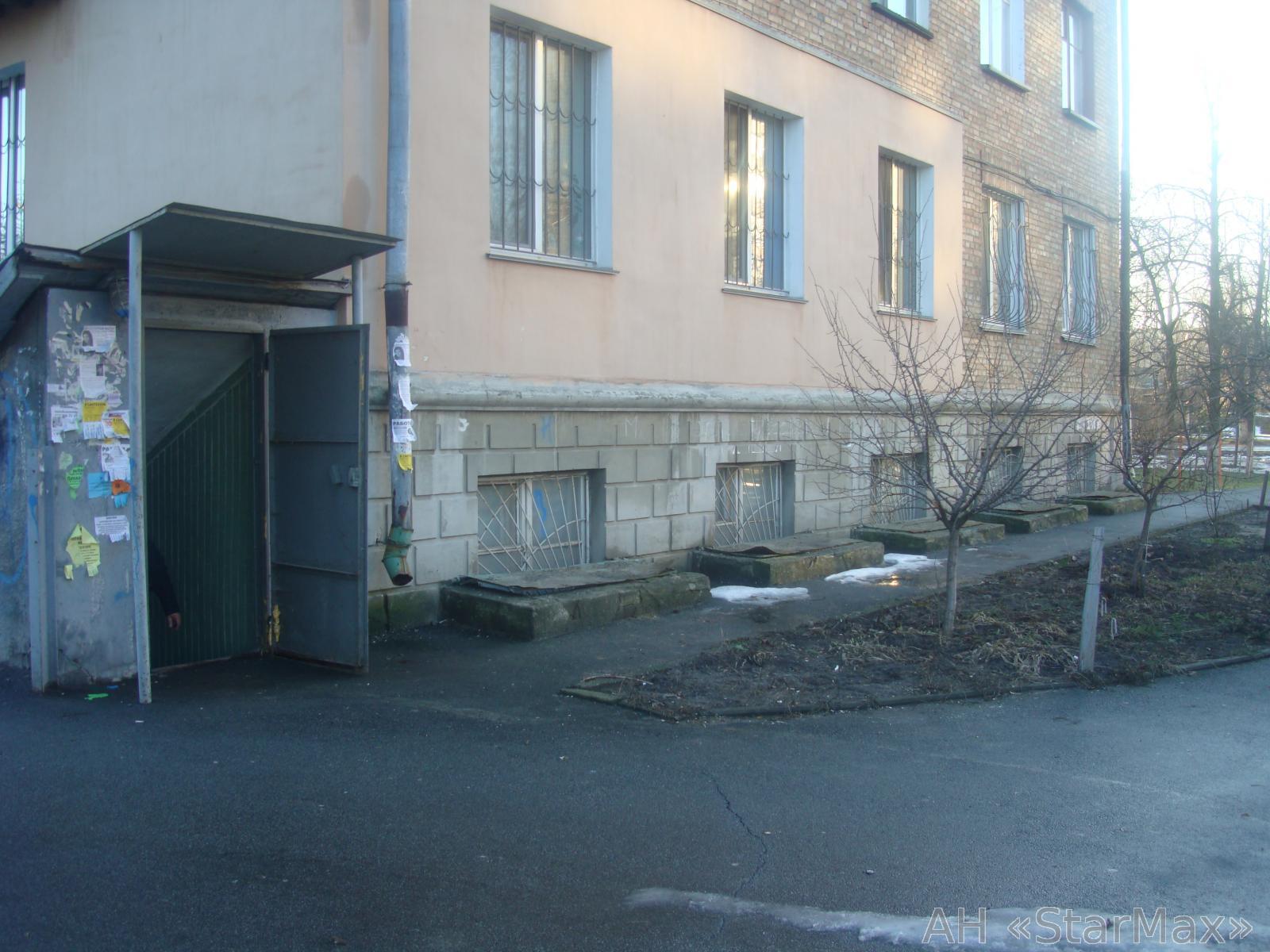 Продам офисное помещение Киев, Симферопольская ул. 2