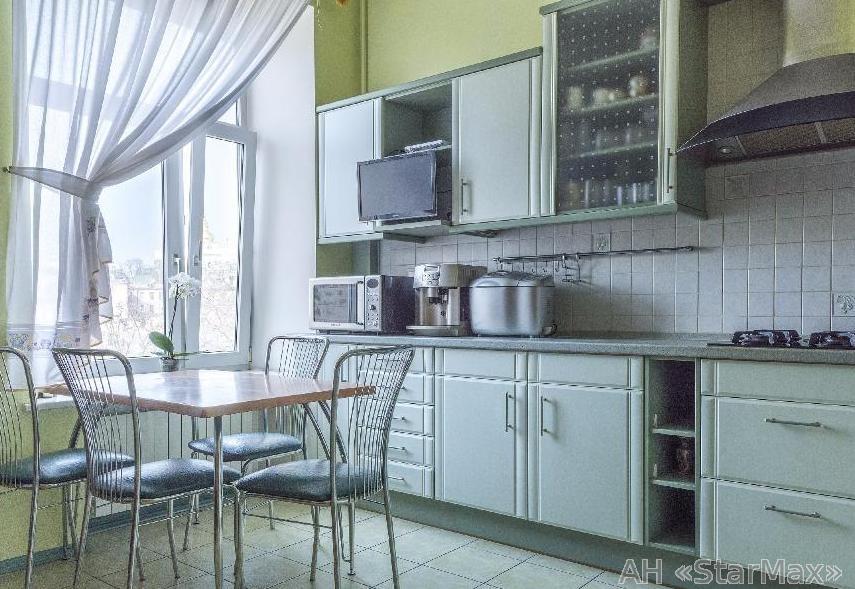 Фото 5 - Продам квартиру Киев, Костельная ул.