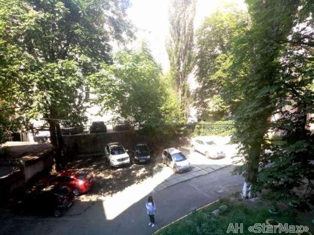 Продам квартиру Киев, Хмельницкого Богдана ул. 2