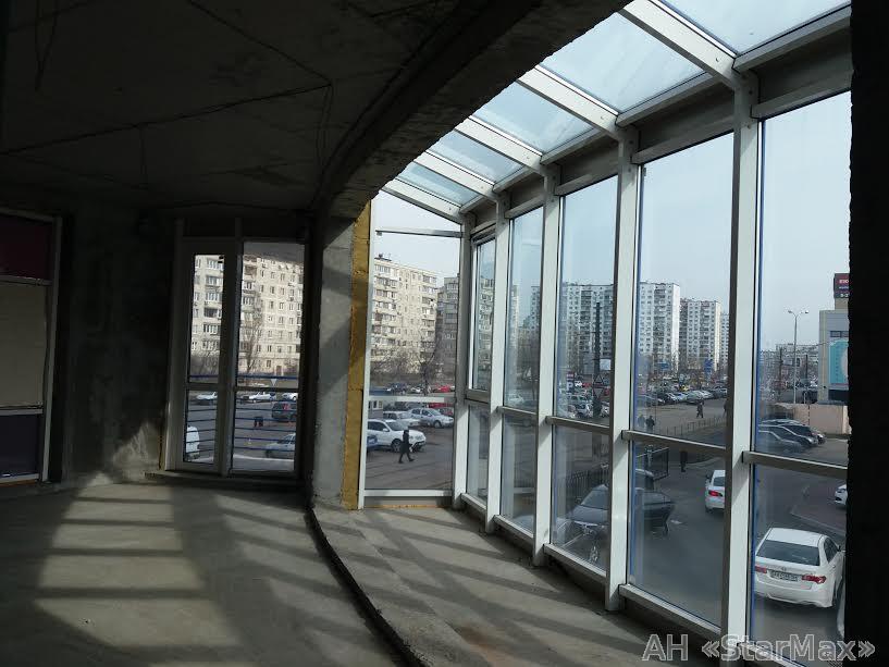 Продам торговое помещение Киев, Малиновского Маршала ул. 2