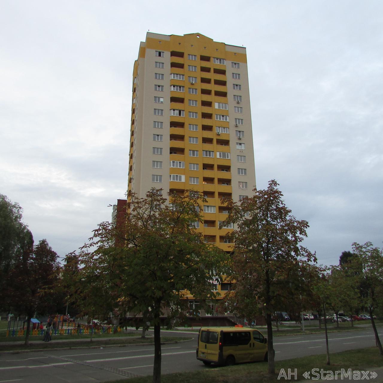 Продам квартиру Киев, Булгакова ул. 2