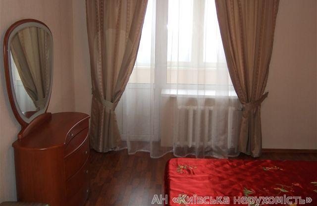 Продам квартиру Киев, Нежинская ул. 5