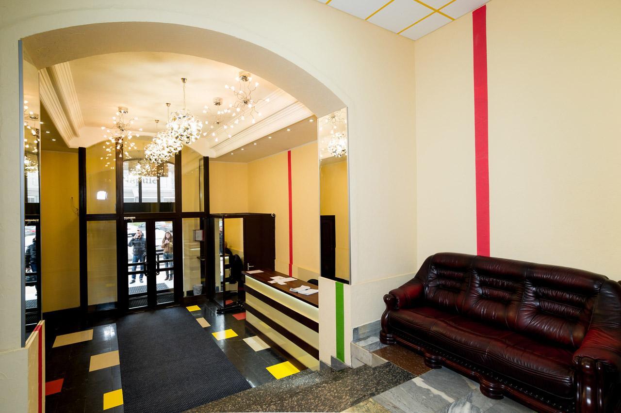 Продам офисное здание Киев, Мечникова ул. 3