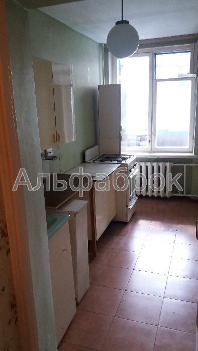 Продам гостинку Киев, Березняковская ул.