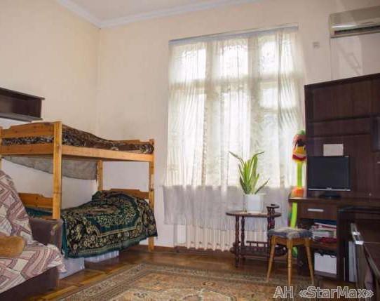Фото - Продам квартиру Киев, Десятинная ул.