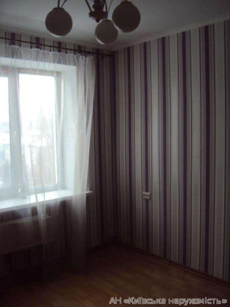 Продам квартиру Киев, Азербайджанская ул. 2