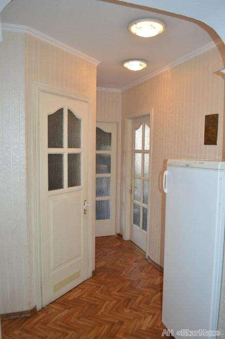 Продам квартиру Киев, Лаврская ул. 5