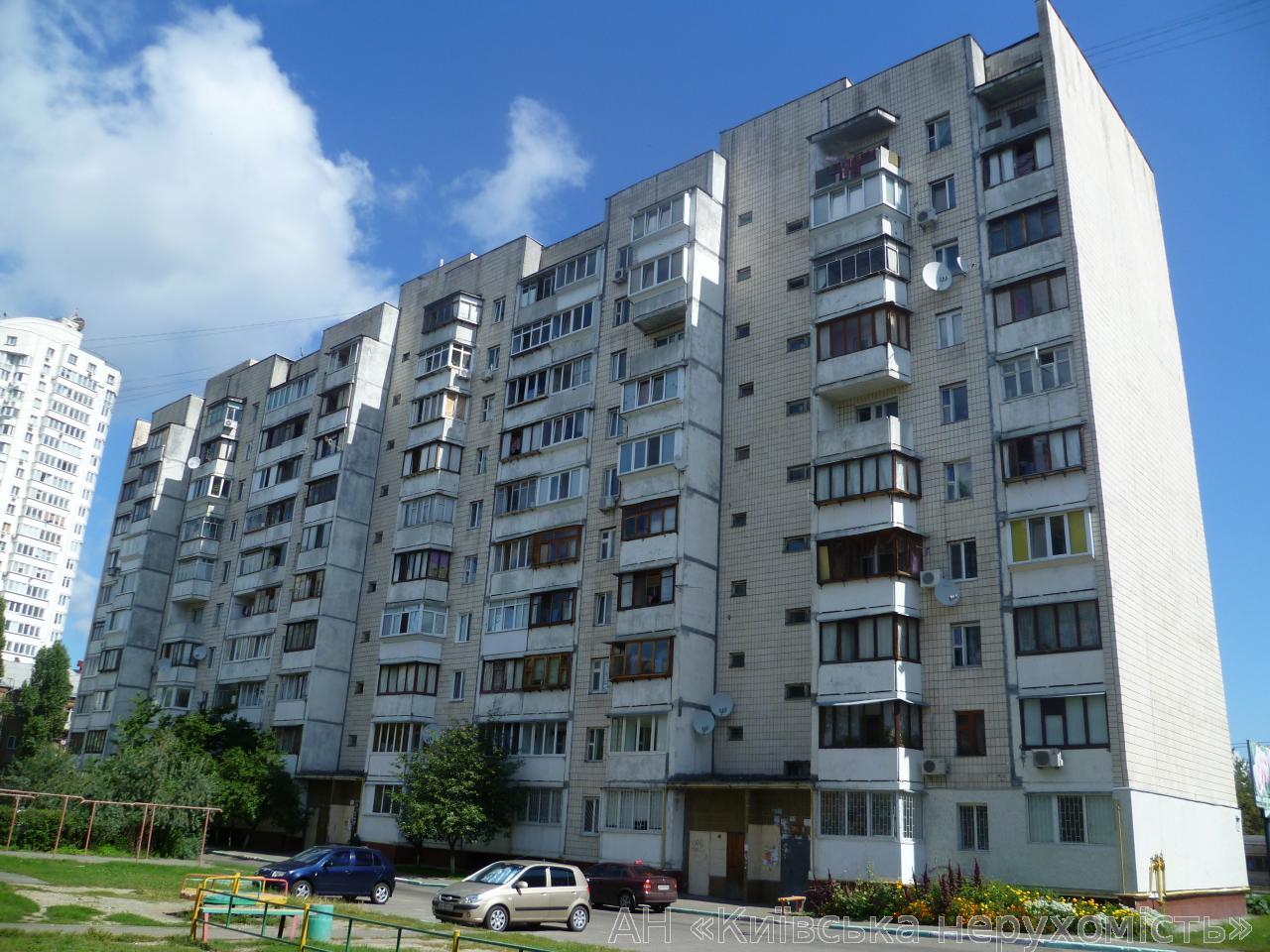 Фото - Продам квартиру Киев, Автозаводская ул.