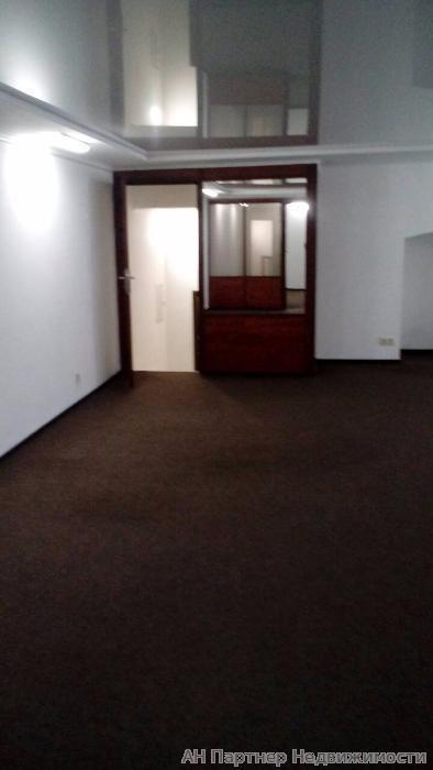 Продам офисное помещение Киев, Михайловская ул. 3