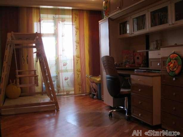 Продам квартиру Киев, Малиновского Маршала ул. 4