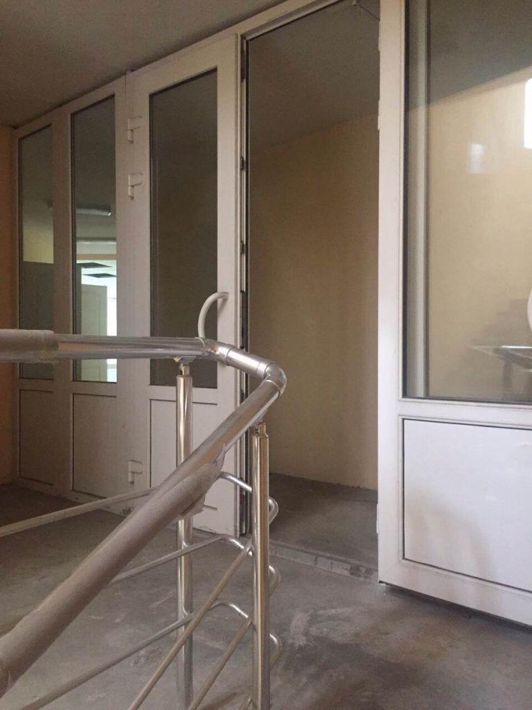Продам офисное здание Киев, Старонаводницкая ул. 5