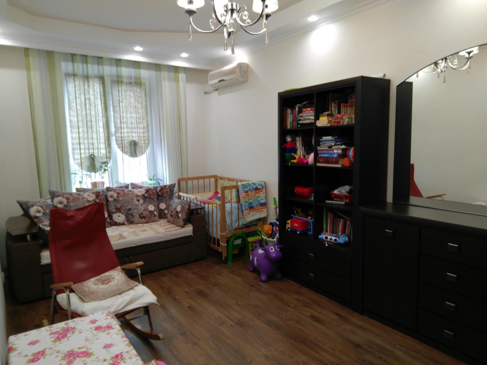 Продам квартиру Днепропетровск, Привокзальная ул.