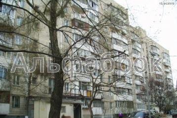 Продам гостинку Киев, Демеевская ул.