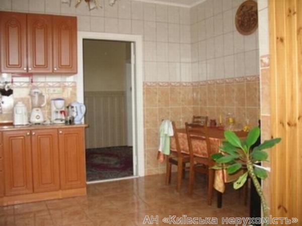 Продам квартиру Киев, Новаторов ул. 2