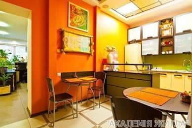 Продам офисное здание Киев, Рылеева ул. 4