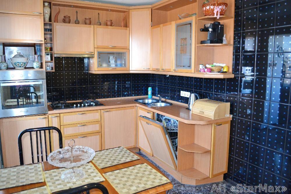 Продам квартиру Киев, Багговутовская ул.