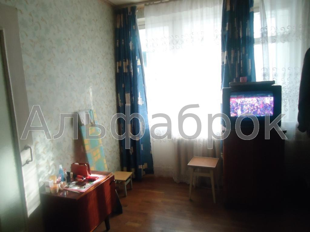 Продам квартиру Киев, Кирилловская ул. 2