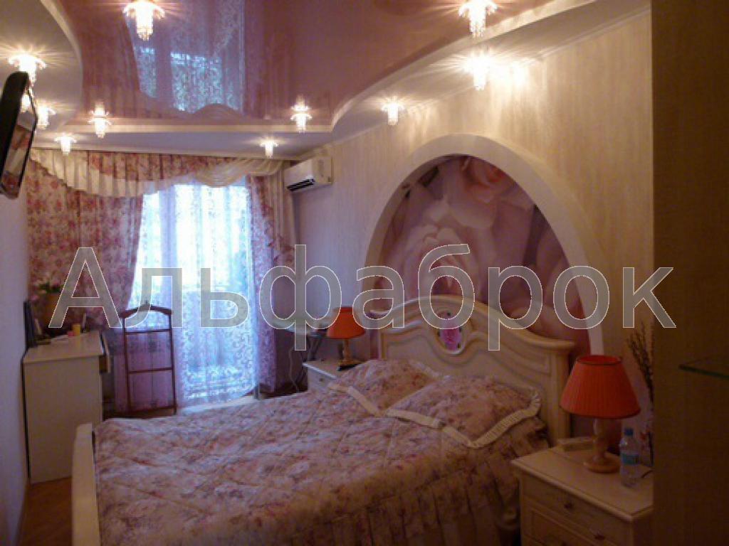 Продам квартиру Киев, Юры Гната ул. 2