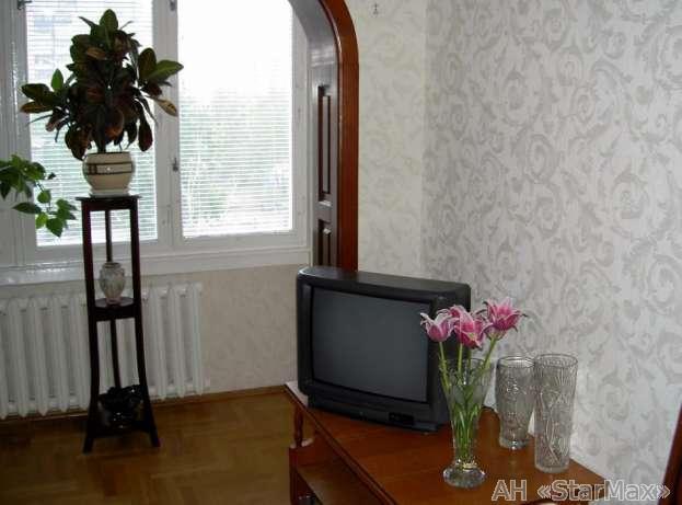 Продам квартиру Киев, Славгородская ул. 2
