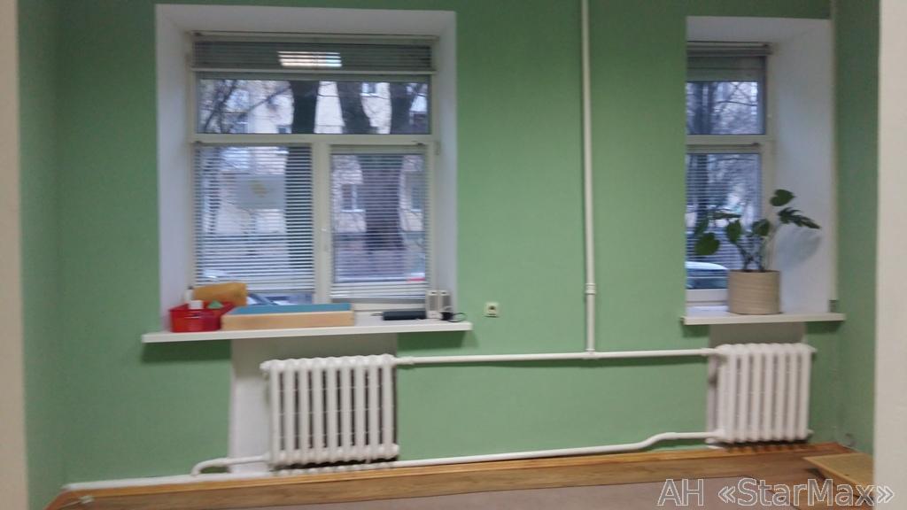 Сдам офис в многоквартирном доме Киев, Довнар-Запольского ул.