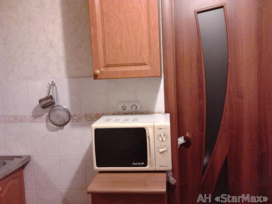 Продам квартиру Киев, Приречная ул. 3