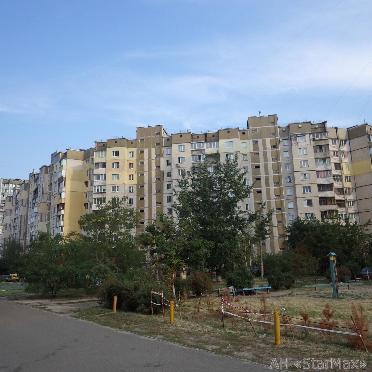 Продам квартиру Киев, Милославская ул. 3