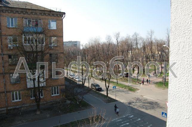 Продам квартиру Киев, Новодарницкая ул.