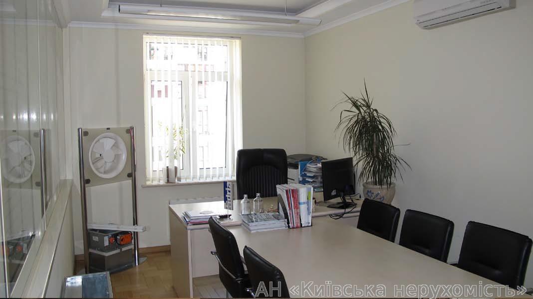 Продам офис в многоквартирном доме Киев, Щекавицкая ул.
