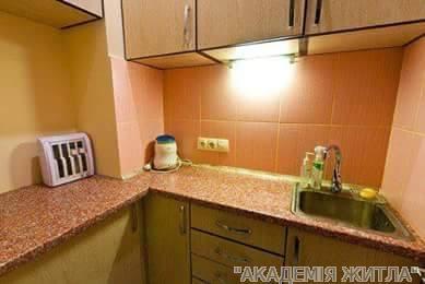 Продам офисное здание Киев, Рылеева ул. 2