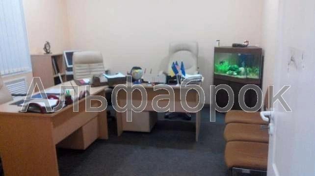 Продам офис в офисном центре Киев, Десятинная ул.