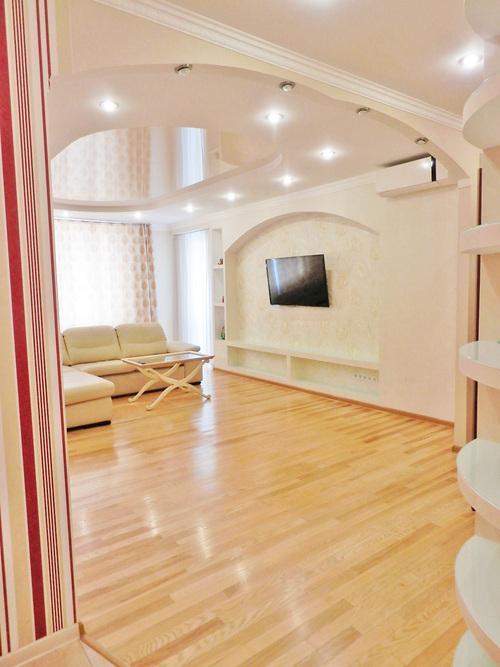 Сдам апартаменты Киев, Днепровская наб.