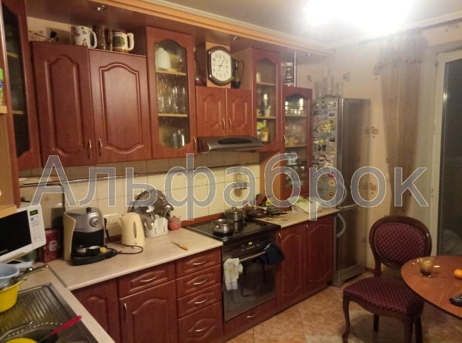 Продам квартиру Киев, Харьковское шоссе