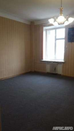 Сдам офис в многоквартирном доме Киев, Пирогова ул.