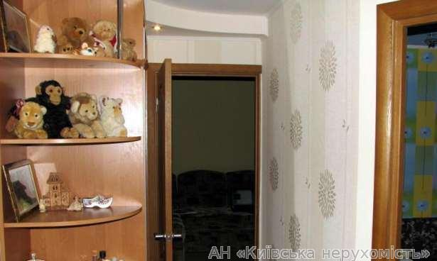 Продам квартиру Киев, Наумова Генерала ул. 5